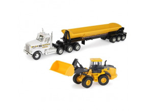 1:32 Freightliner Semi with John Deere Wheel Loader